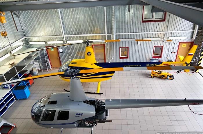 Базирование вертолета на территории хелипорта СКМ-Порт на западе Московской области